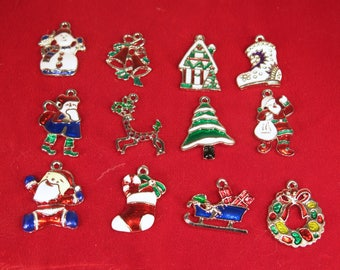 20pc mixed christmas charms in antique silver style bc1366 - Christmas Charms