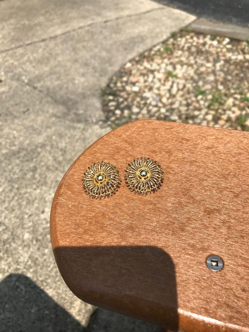 Vintage Lisner Gold Tone Clip-On Earrings