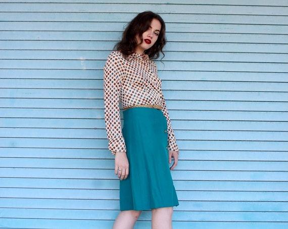 70s Polyester Button Front Dress/ Large Barrel Cuff 70s Dress/ Vintage Shirt Dress/ High Waisted/ 70s Secretary Dress/ Teal Polka Dot Dress