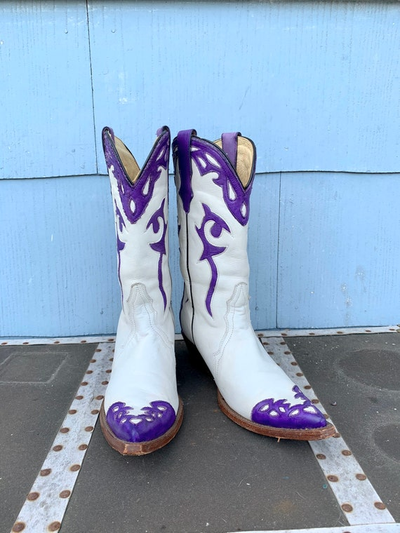 Vintage White Cowboy Boots/ White with Purple Inl… - image 9