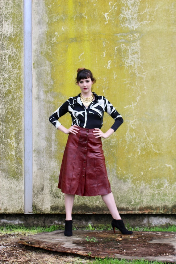 Vintage Leather Skirt/ Burgandy Leather Skirt/ Sna