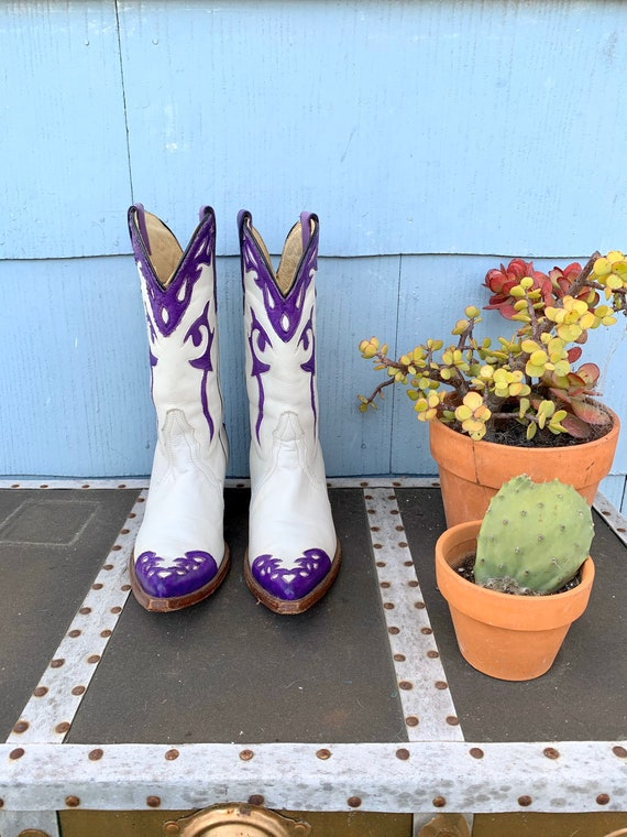 Vintage White Cowboy Boots/ White with Purple Inl… - image 8