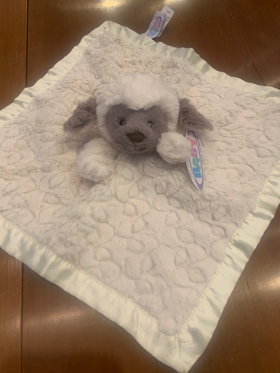 Lamb lovey for Gabrielle and Tyler Hindman