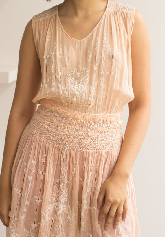 1930s Peach Cotton Voile Hungarian Embroidered Dr… - image 5