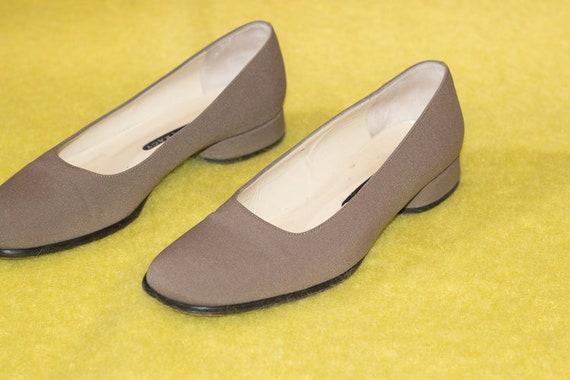 1980s Round Heel Taupe Flats