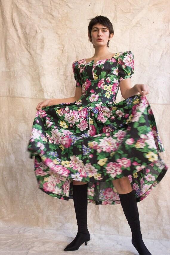 1980s Garden Party Puff Sleeve Dress
