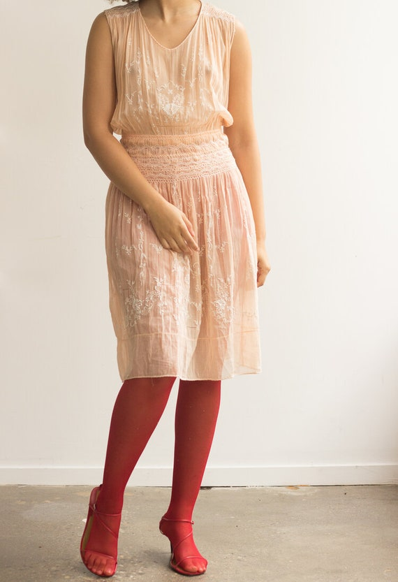 1930s Peach Cotton Voile Hungarian Embroidered Dr… - image 3