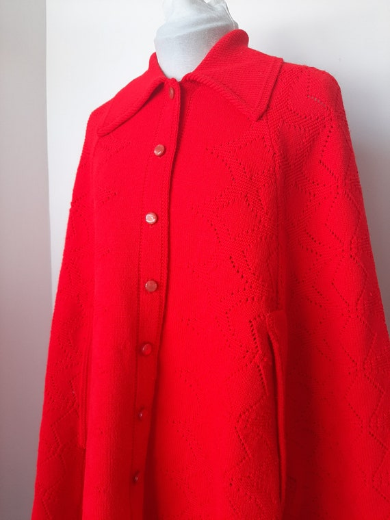 Vintage poncho, 1960s cape, red knit poncho, Knit… - image 4