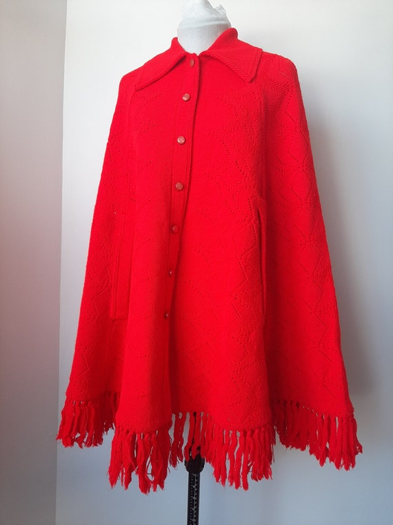 Vintage poncho, 1960s cape, red knit poncho, Knit… - image 2