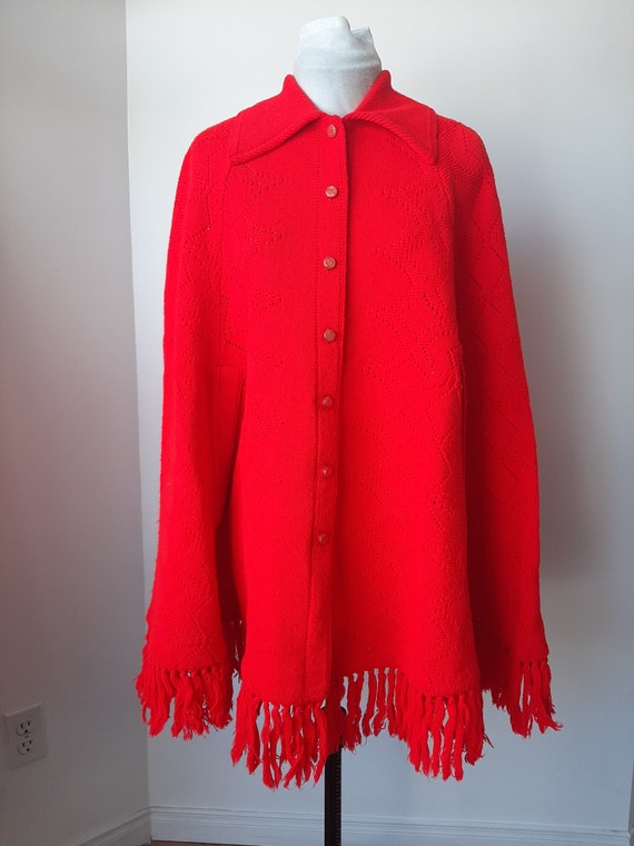 Vintage poncho, 1960s cape, red knit poncho, Knit… - image 3