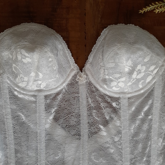 Vintage Lingerie white lace corset with garter be… - image 6
