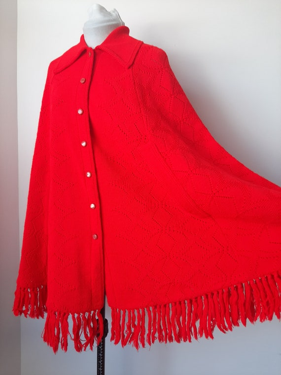 Vintage poncho, 1960s cape, red knit poncho, Knit… - image 8