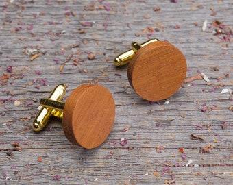 Wooden Cufflinks, monogrammed Round kusia wood cuff links, wedding groomsman set gift, boyfriend gift for him, engraved personalization