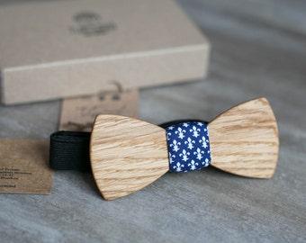 Wooden bow tie, oak wood bow tie, wooden bowtie, Heraldic Lily, wedding Groomsmen bowtie  gifts, Boyfriend gift, Gifts for Him, Personalized
