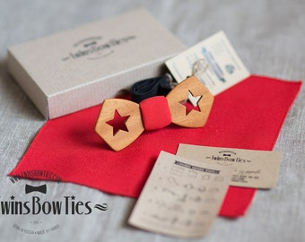 Mens unique wooden bow tie Kerch Classic + pocket square. Real wood and fabric. Men Accessories. 100% hand made.