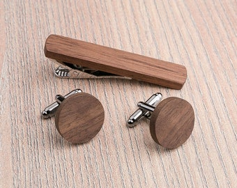 Wood Cufflinks tie Clip Set. Boyfriend Personalization gift, Wedding Walnut Round Cufflinks. Wood Tie Clip Cufflinks Set. Groomsmen set.