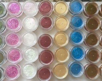 Kit 1-ULTRA PREMIUM Mica Pigment Powders. 8 Pigment Collection of 3 gram jars. FREE Scoop