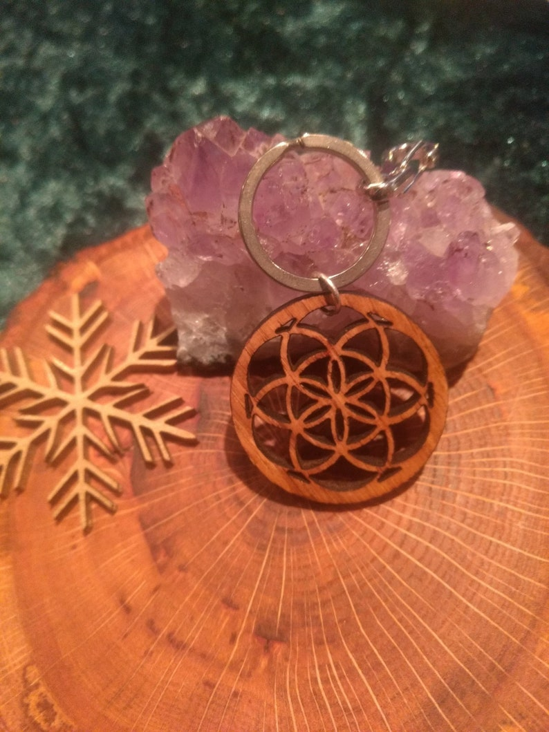 Keyring cherry wood lasercut wooden accesoire keychain seed image 0