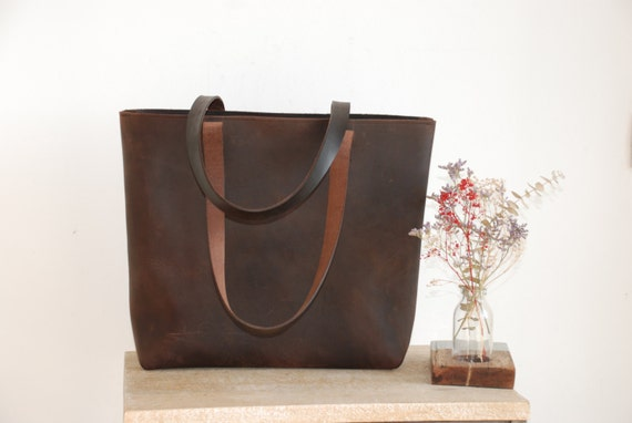 77d0605eb4 Large Brown Leather tote bag with ZIPPER and handles sewn.