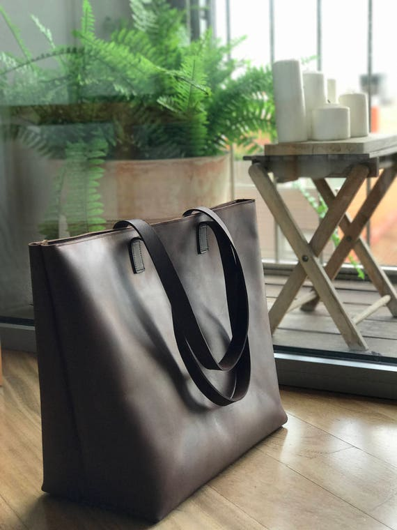 6482c6f491 Oversized   Weekender Brown Leather tote bag with Zipper.