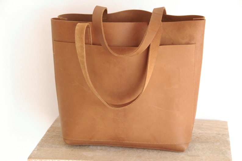 96170728e6 Camel Leather tote bag with large outside pocket. Cap Sa Sal