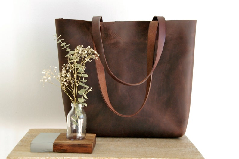 a13577fbc5 Large Brown Leather tote bag handles sewn. Cabas Illa