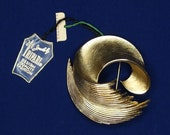Vtg Crown Trifari Gold Tone Loop Shell Brooch NOS Original Tags
