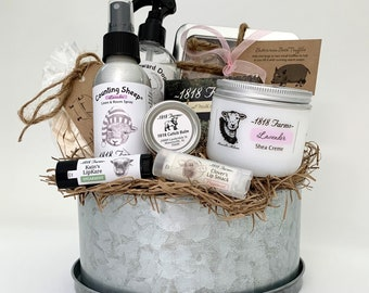 Everything on the Farm Gift Basket - Unique gifts for new mom, Gift for New Mom, New Mom Gift Basket,New Baby Gift Basket, Pregnancy Gift