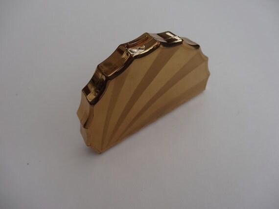 1948 Compact.  Seashell.