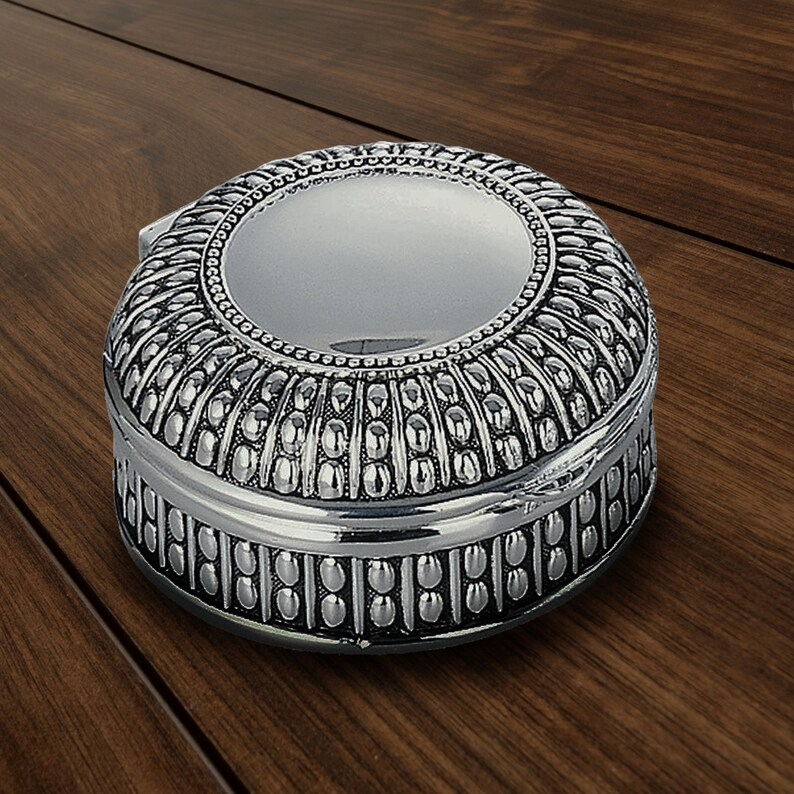 Monogrammed Custom Engraved Ladies Jewelry Holder Personalized Oriental Circle Shaped Jewelry Box Brides Maid Gift