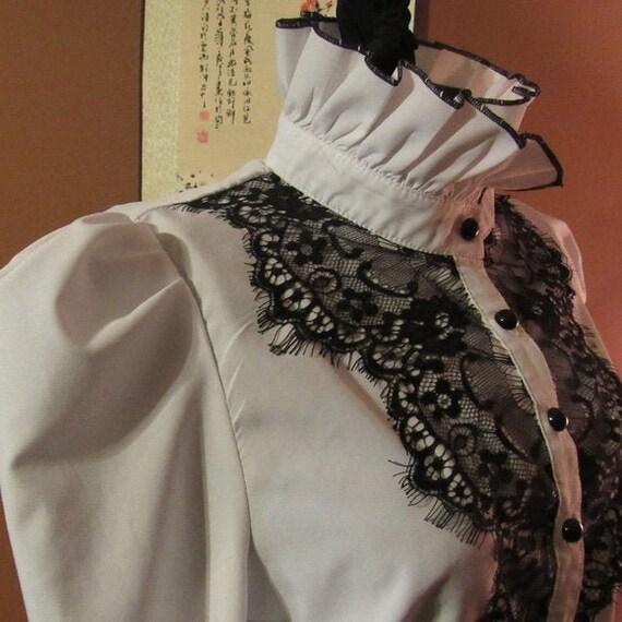 Victorian White Blouse w. Black Lace - XLP