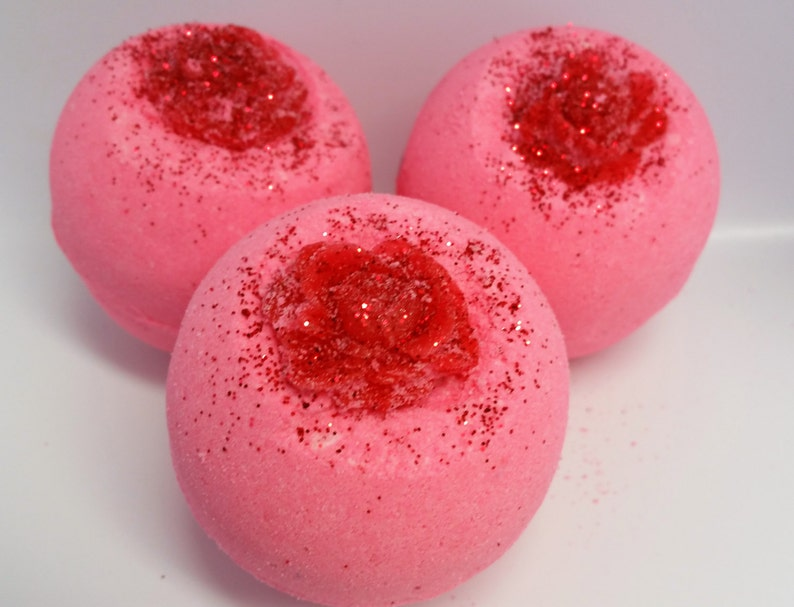 Victorian Rose Bath Bomb Pink Women Gift Mother's image 0