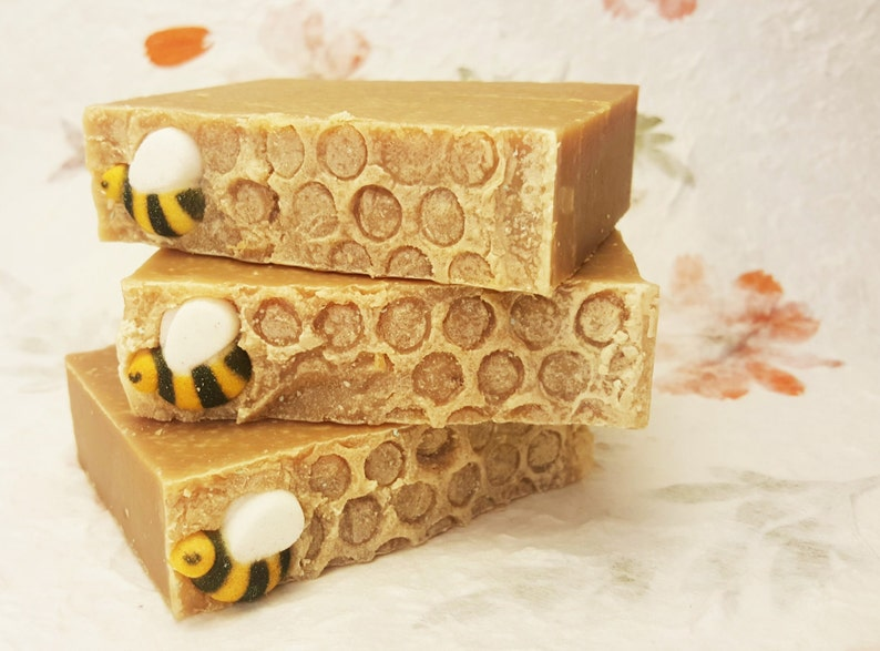 Queen Bee Honey Soap Beeswax Royal Jelly Sensitive Local image 0