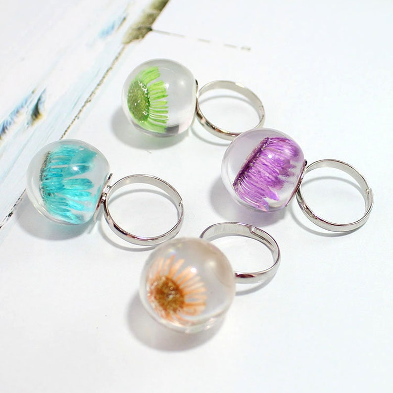 1PC Clear resin flower ring Adjustable balls ring Daisy jewelry Memorial ring Botanical Jewelry Resin Ring Pressed Flower Ring