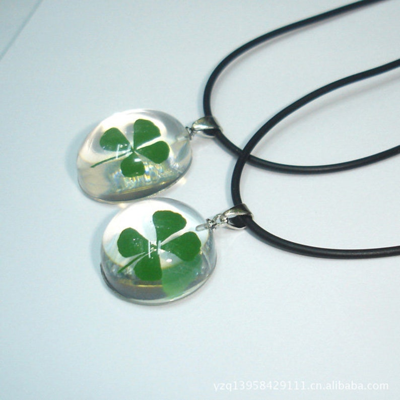 1PC Resin jewelry Tead Drop Pendant Real flower Necklace Four Leaf Clover necklace Pressed Flower Jewelry Nature Jewelry terrarium jewelry