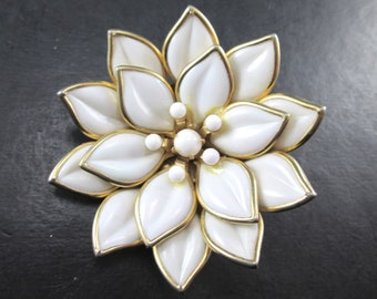 Vintage Layered White and Gold Tn Flower Brooch Pin