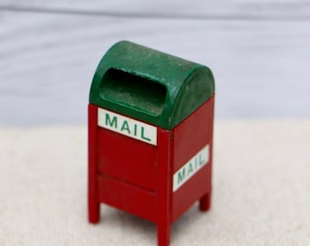 2 trunk or Chest Dollhouse Miniature Unfinished Metal Matchbox