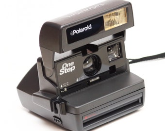 Vintage Polaroid One Step 600 Film Instant Camera For Weddings Sweet 16 Fully Operational