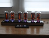 Nixie tube clock || with biggest USSR tubes IN-18 || fine 5, not up side down 2 || remote control temperature and enclosure || wood plywood