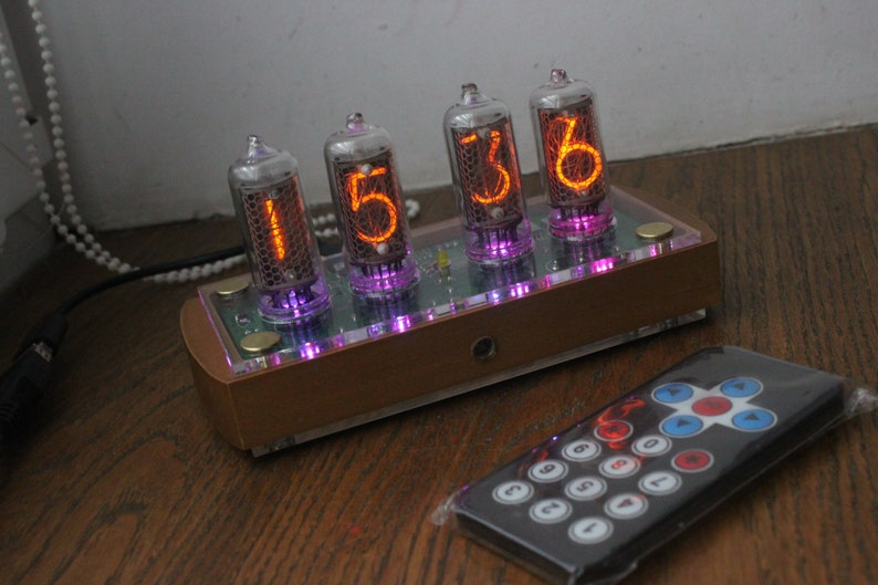 Nixie tube clock with IN-8-2 tubes and case old school Clear