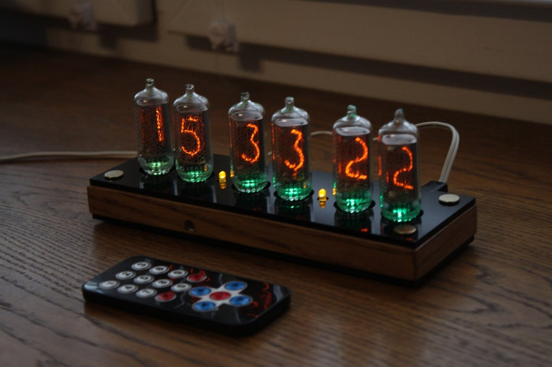 Nixie tube clock  with IN-8-2 tubes  fine 5 not up side Wooden with black