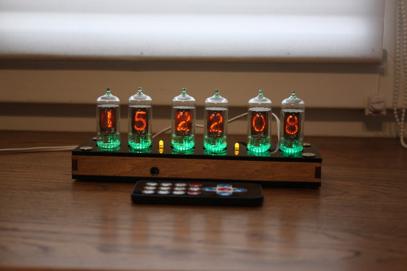 Nixie tube clock  with z570M tubes  fine 5 not up side Plywood with black