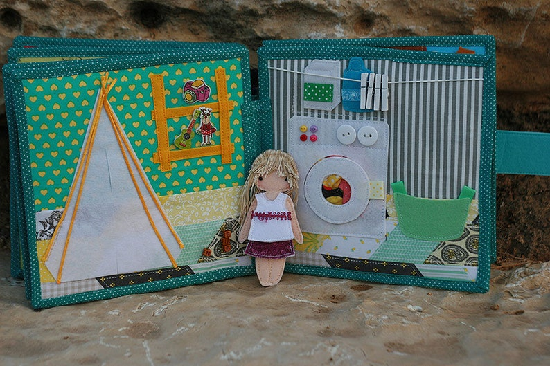 Dollhouse with felt  paper doll Quiet book for girls Handmade by TomToy Fabric Felt doll house Custom 2-12 pages 20x20cm