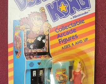 Coleco Donkey Kong Collectible Arcade Figure: Pauline