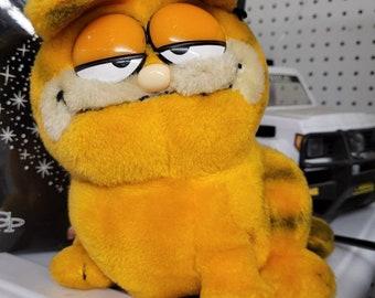 Vintage Dakin Stuffed Garfield