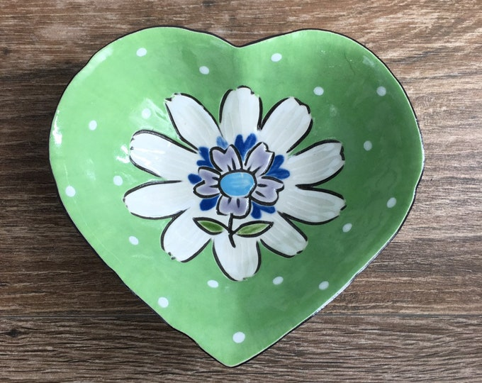 Featured listing image: Green Heart Shaped Dessert Bowl