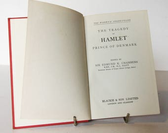 Hamlet Hardback Red William Shakespeare 1940s Vintage pocket book English Literature Classic books