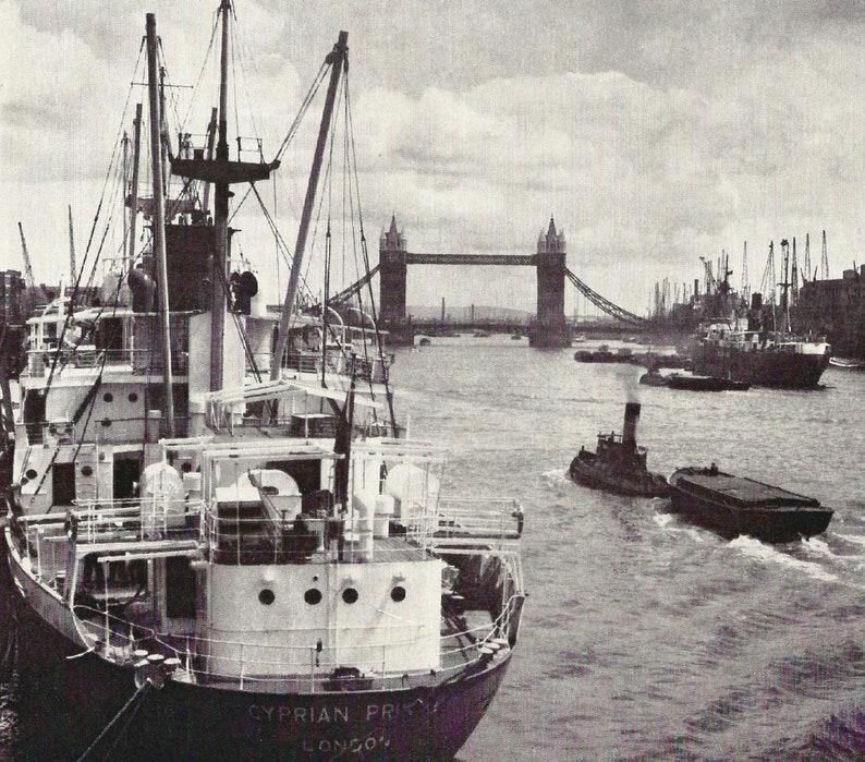 Tower Bridge Industrial London River Thames vintage Print House River life photograph Vintage City Landmarks retro