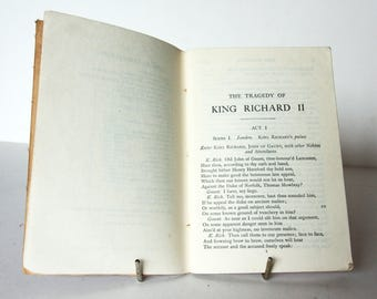 King Richard II by William Shakespeare 1910s Vintage pocket book English Literature Classic books