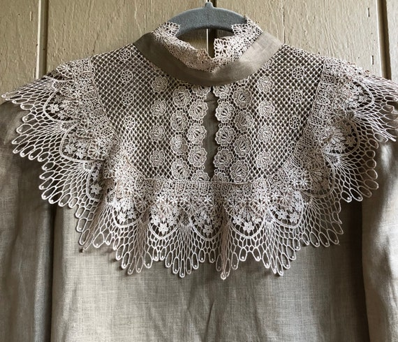 xVictorian Linen Lace Collar and Blouse